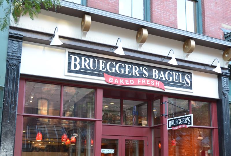 Bruegger's Bagels   Store Front
